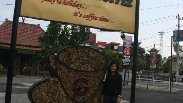 Dwi Kartika Sari Goeboex Coffee