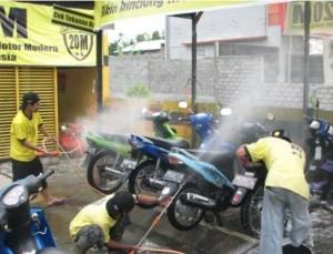 Peluang-Usaha-Cuci-Motor-1