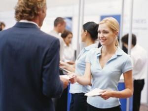 3 Cara Memaksimalkan Brosur Bisnis Anda
