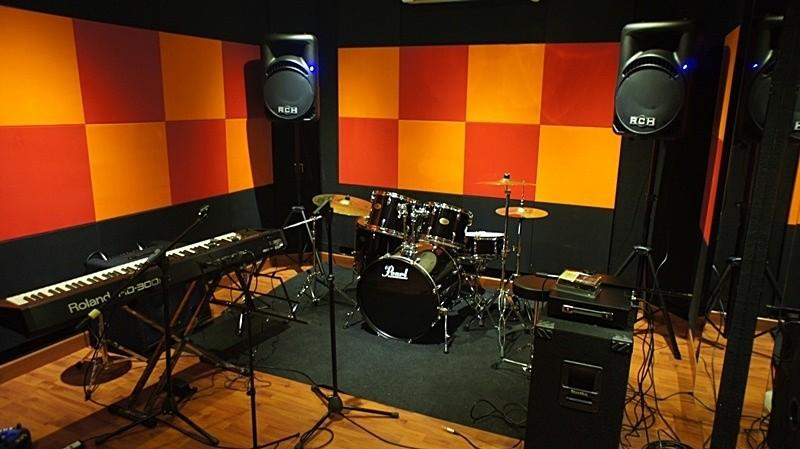 Meraup Untung Dari Peluang Bisnis Studio Musik