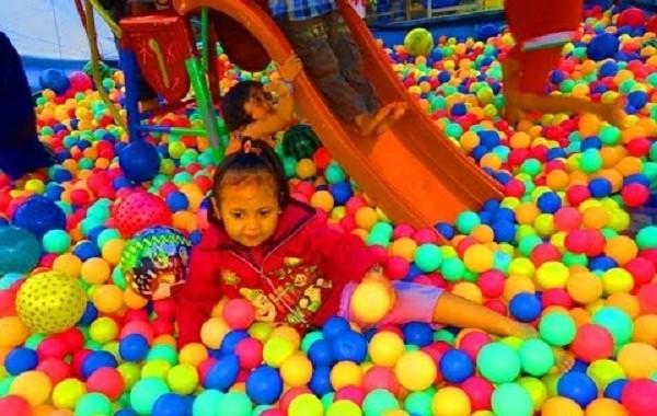 Tips Sukses Mendirikan Playground Mandi Bola Anak