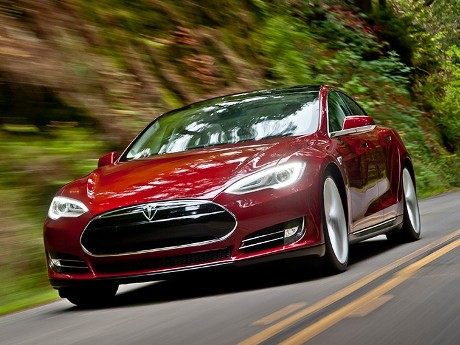 Tingkat Keamanan Mobil Listrik Tesla Model S