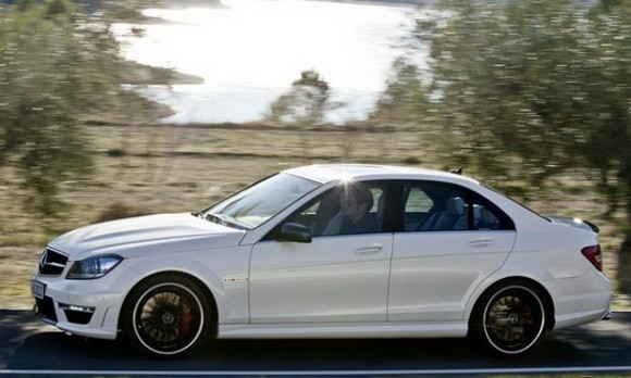 Meja Debut Blok Mesin Baru di Mercedes C 63 AMG