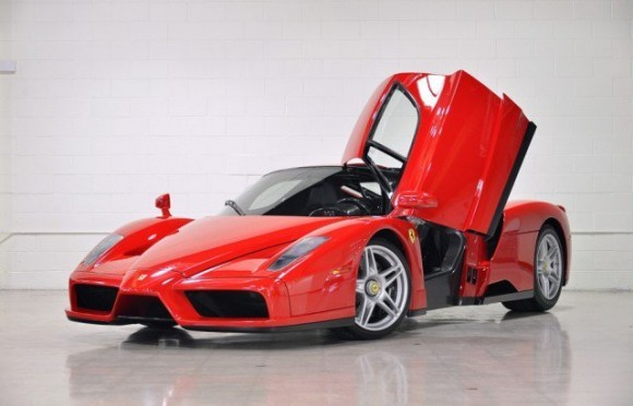 Penjualan Praktis Ferrari Enzo