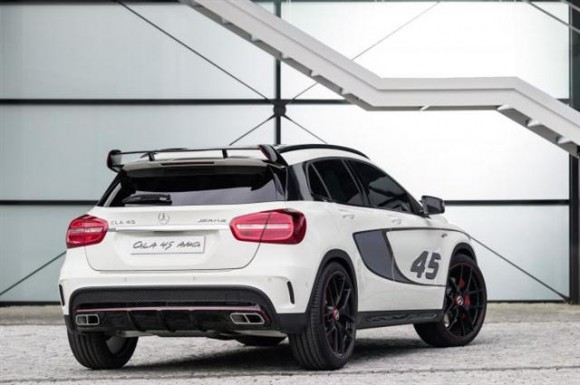 The GLA Mercedes AMG 45 Juga Akan Di Detroit