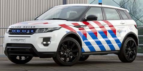 Range Rover Evoque Tampil Gagah Memakai Seragam Kepolisian Bersama Dengan Experience Centre Hilversum ACS