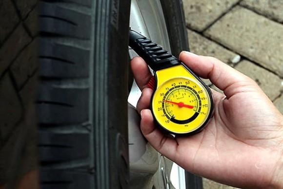 Mengetahui Tekanan Angin Ban Mobil Sesuai Rekomendasi Pabrik