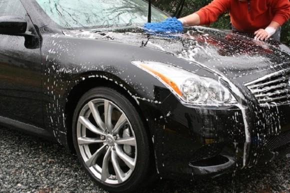 Perawatan Khusus Untuk Mobil Pada Saat Musim Hujan Agar Cat Tidak Berjamur