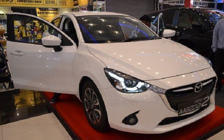 Seri Teranyar Mazda2 Hatchback Percaya Diri di SMS 2015