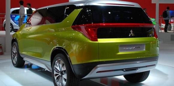 Pasar Otomotif Tanah Air Akan Kedatangan MPV Mitsubishi Rival Honda Mobilio