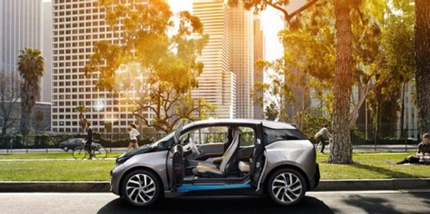 BMW Indonesia Membahas Mobil Listrik dan Aturan LCGC