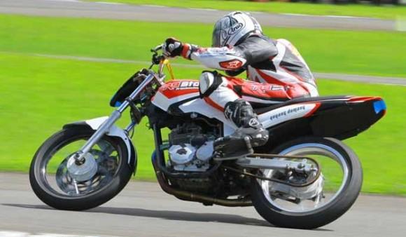 Modifikasi Fun Race Yamaha Scorpio Z, Oversize 50 Cukup Menantang