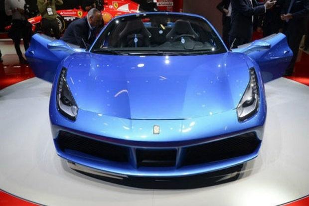 Ferrari Menyapa Para Konsumen Dengan Model 488 Spider Terbarunya