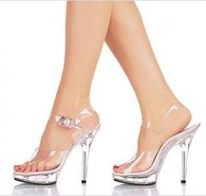 Tips Memakai Sepatu Hak Tingggi