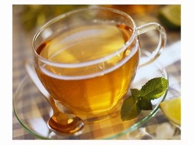 meminum teh sebelum menyelesaikan tugas yang sarat dengan stres