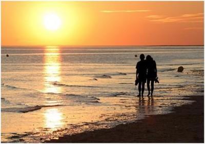 bernostalgia berdua ke tempat-tempat yang sering Anda jalani ketika saat-saat pertama pacaran atau PDKT