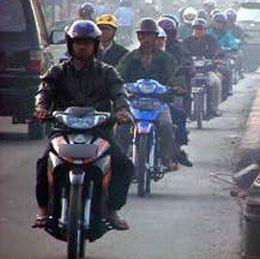 Tips Mengendarai Sepeda Motor