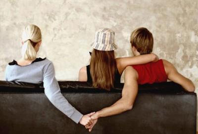 Memudarnya cinta bukan satu-satunya alasan perempuan berselingkuh