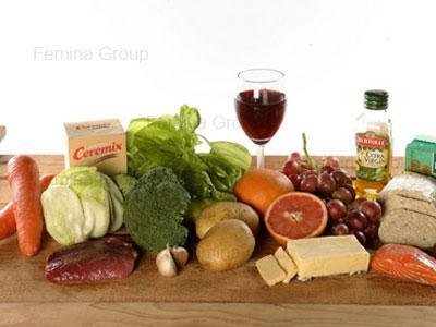 Pilih sumber protein yang mengandung asam amino lengkap, seperti telur dan susu.
