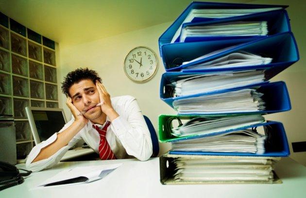 merasa terpaksa, atau bahkan benci, mengerjakan tugas di kantor
