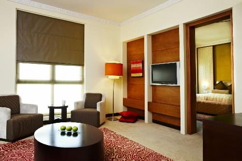 Ukuran furniture harus disesuaikan dengan ukuran ruang,