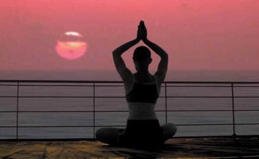 Lakukan yoga sekitar satu jam setelah Anda merokok.