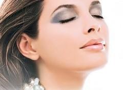 Tips Makeup Untuk Wanita Setiap Hari
