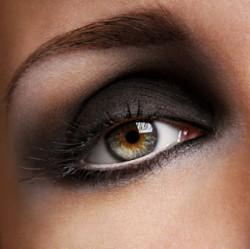 Tips Mempercantik Bulu Mata Smokey Langkah demi Langkah