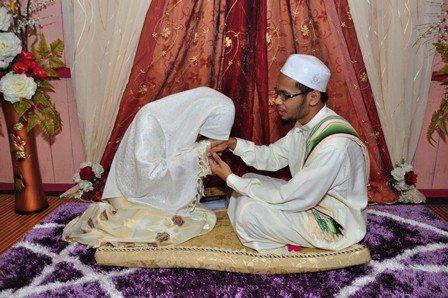mentaati suami merupakan salah satu kewajiban