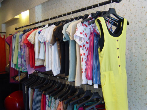 Cara Merawat Warna Pakaian