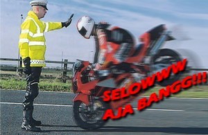 Tips Safety Riding dalam Berkendara