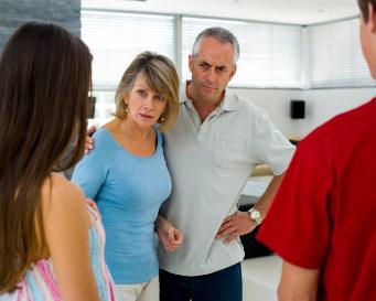 Cara Menghadapi Pertemuan Dengan Orang Tua Pacar