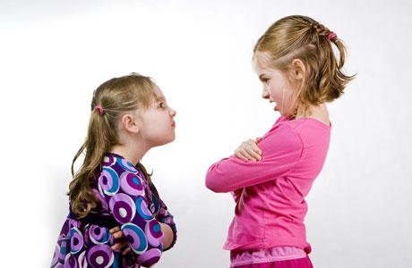 Tips Menjaga Keharmonisan Kakak dan Adik
