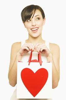 Cara Mengetahui Saat Wanita Sedang Jatuh Cinta