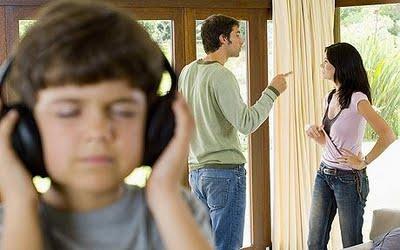 Cara Menyampaikan Kepada Buah Hati Saat Ingin Bercerai