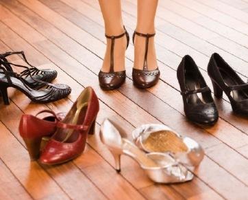 5 Tips Memilih Model Sepatu Bagi Si Betis Besar