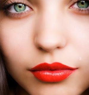 Tips Agar Bibir Terlihat Lebih Berisi dan Indah