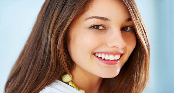 Cara Memutihkan Gigi Akibat Noda Teh