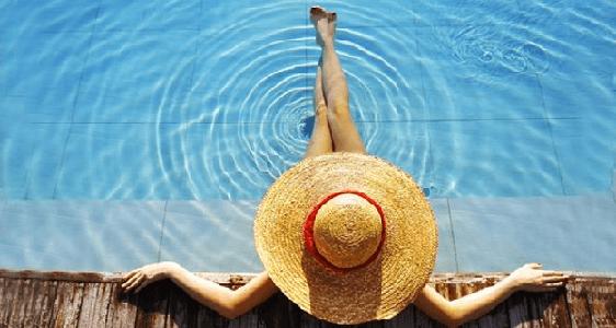 Cara Menjaga Kesehatan Kulit Usai Berenang