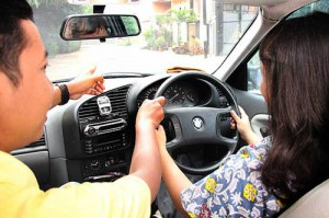 Tips Aman Saat Mengendarai Mobil Matic