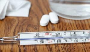 Pertimbangan Sebelum Mengukur Suhu Tubuh Anak dengan Rektal