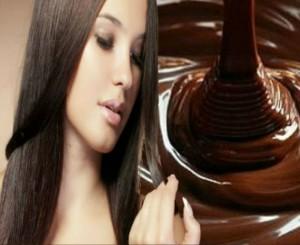 Kilaukan Rambut cantik dengan masker cokelat