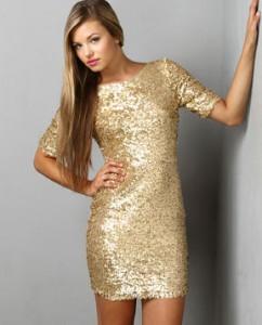 Bergaya Anggun dengan Gaun Gold Tanpa Monarch