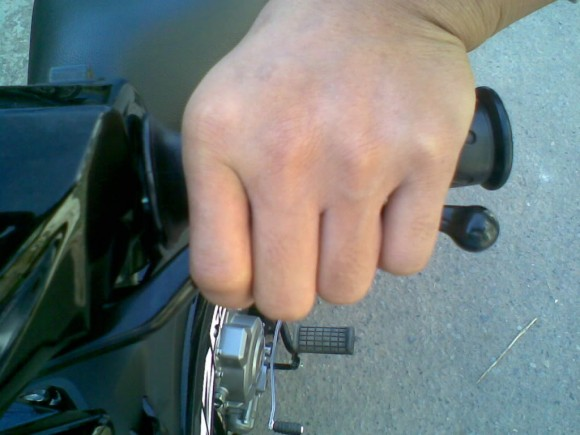 Tips Mengendarai Motor Kopling Bagi Para Pemula