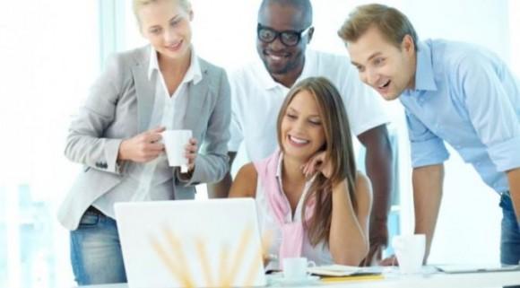 Tips Menjadi Pegawai Yang Di Senangi Rekan Kantor