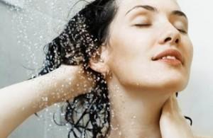 Tips Keramas Mencuci Rambut yang Benar