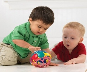Tips Cerdas Mengoptimalkan Perkembangan Otak Sang Bayi