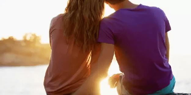 Cara Mengetahui Cewek Yang Sedang Jatuh Cinta