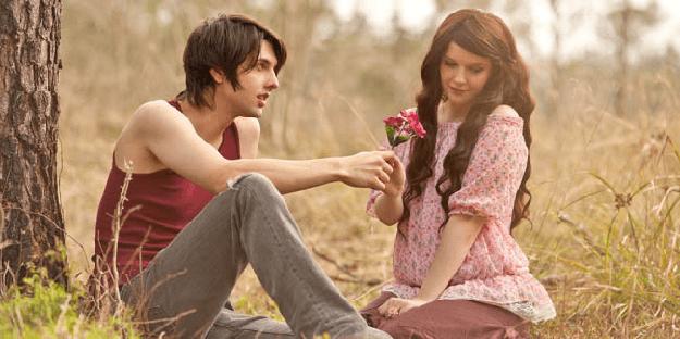 Cara Mengetahui Cewek Jatuh Cinta