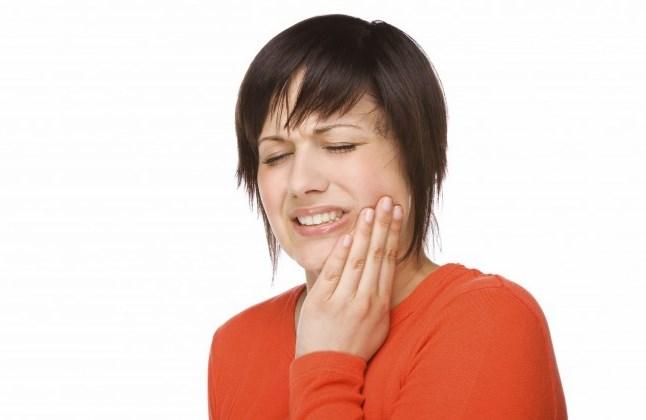 Tips dan Cara Mengobati Sakit Gigi Berlubang dengan Tanaman Herbal
